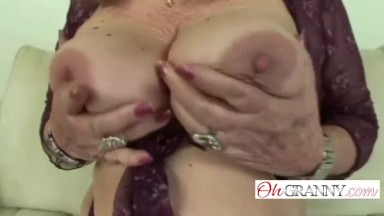 Hot granny likes to make a nice creampie the right way