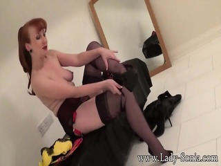 Redhead Lady Changes Sexy Lingeries