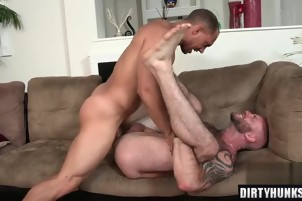 Muscle gay anal sex with cumshot 9