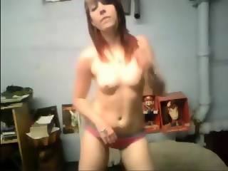 Amateur Teen Girl Playing On Cam