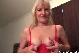 America's sexiest milfs: Claire, Bossy Rider and April White