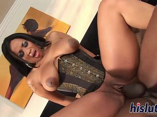 Curvaceous ebony stunner has her holes drilled