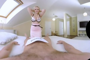 Angel Wicky Squirts and has anal sex in VR