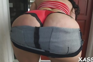 Big ass chick bounces on cock