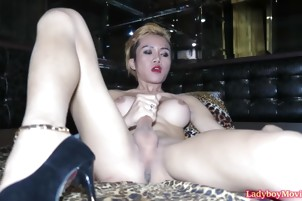 Ladyboy Dow Jerking Off Solo