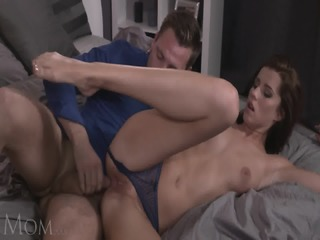 Sexy Young Mommy Filled With Cum