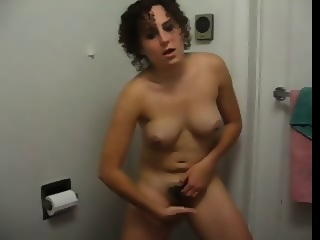 Amateur Webcam Girl With Really Nice Ass Playing On Cam