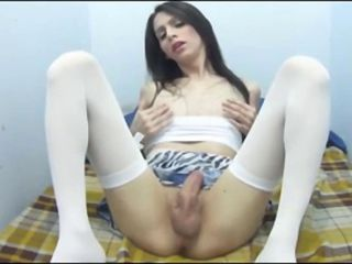 Horny tranny ejaculates on her face