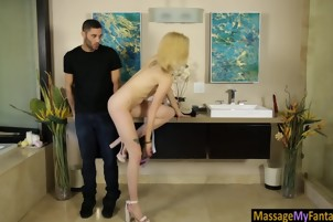 Slim blondie masseuse gives soapy massage and gets banged