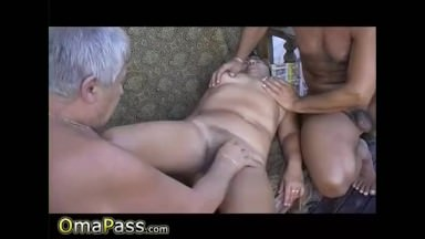 OmaPasS Mature and Granny Porn Threesome Video